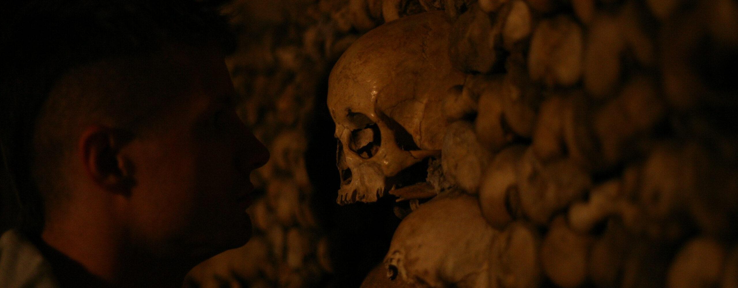 Париж. Лувр имиллионы человеческих костей под столицей Франции.