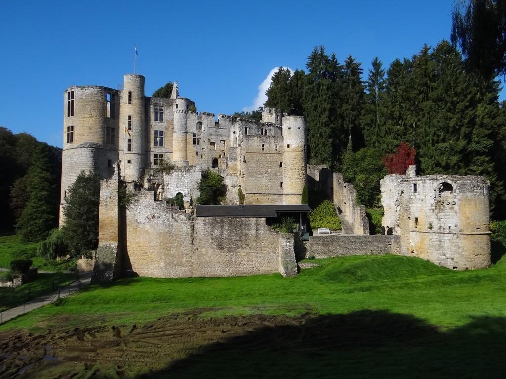 Замок Бофор Люксембург